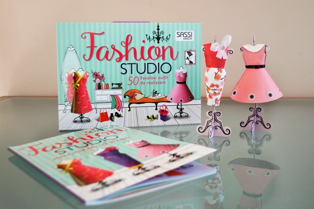 FASHION STUDIO 3D. 50 favolosi outfit da realizzare, SASSI JUNIOR