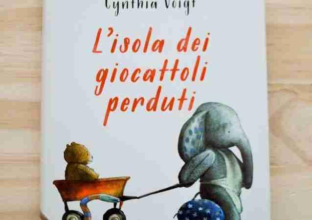 L'ISOLA DEI GIOCATTOLI PERDUTI di Cynthia Voigt e Fabio Sardo, GIUNTI EDITORE